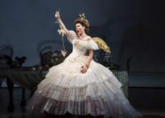 Traviata Rebeka Nov 2013